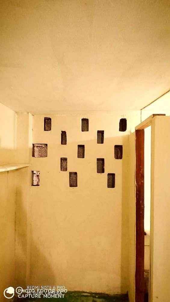 Alquilo habitacion centro guayaquil