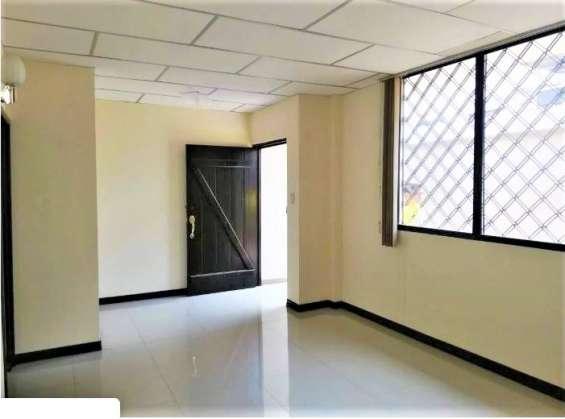 Alquilo departamento/oficina en urdenor 1 juan tanca marengo , guayaquil