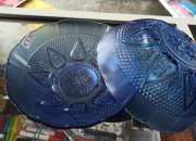 Platos de cristal azul