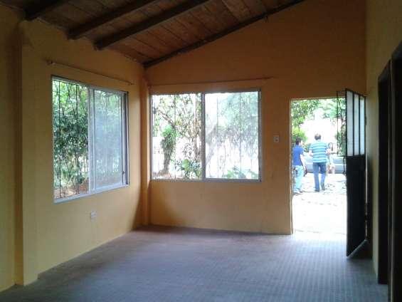 Casa en venta av. las palmas tena-napo